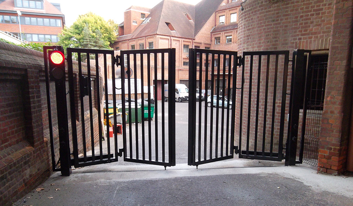 Bi Folding Gates Welcome To Frontier Pitts