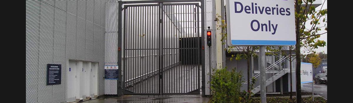6m High Supermarket Gates
