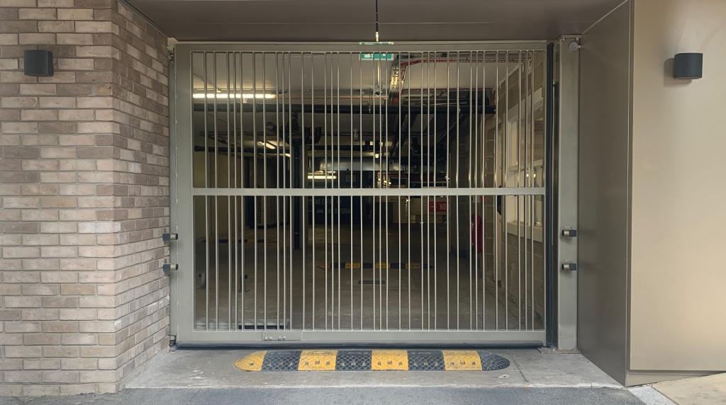 LPS1175 Platinum Hinged Gate SR2/SR3 Secured by Design